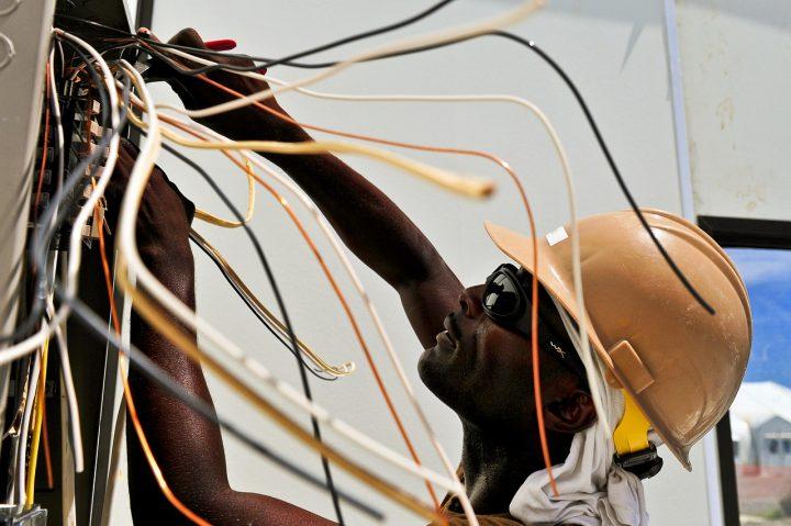 Les principaux dangers du métier d'un électricien