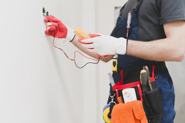 Les bonnes raisons pour lesquelles vous avez besoin d'un électricien pour installer vos appareils électroménagers